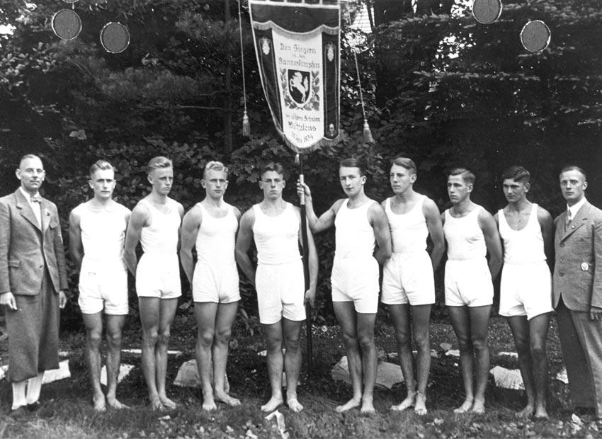 Die siegreiche Bannerkampfmannschaft, Juli 1938